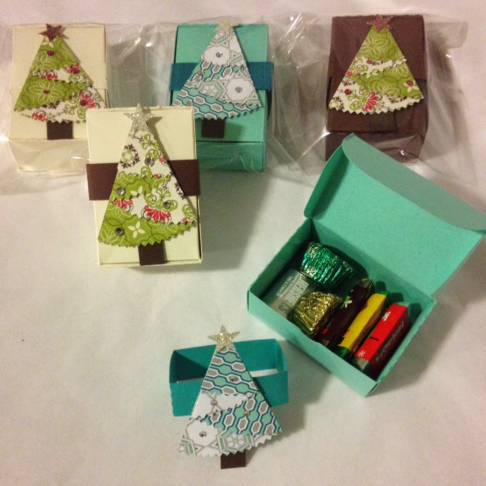 MidnightCrafting.com  Stampin Up Gift  Christmas Candy Box Belly Band Christmas Tree