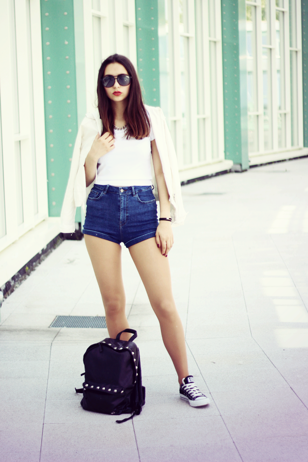 high waist shorts look