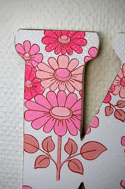 Letras con papel pintado baby deco for Modelos de papel pintado