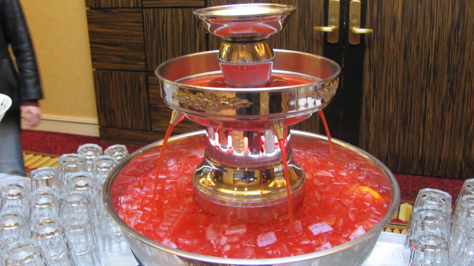 Breakin 39 cycles for Decor 5 5 litre drink fountain