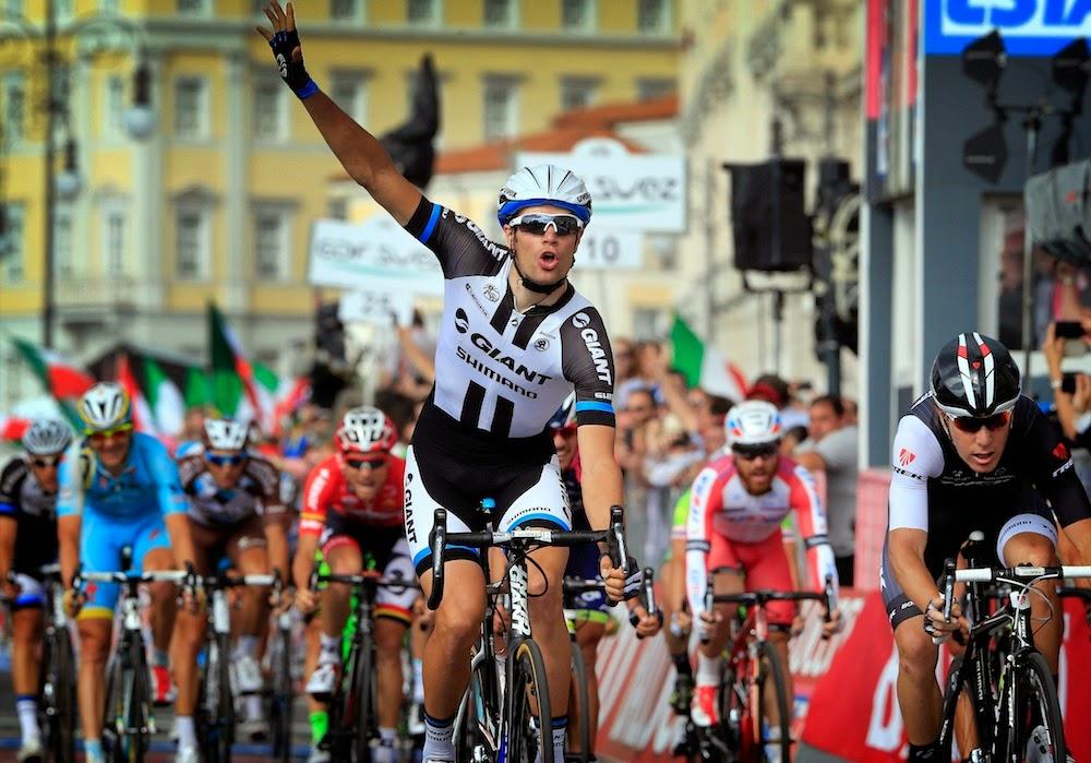 Mezgec se lleva la última etapa del Giro