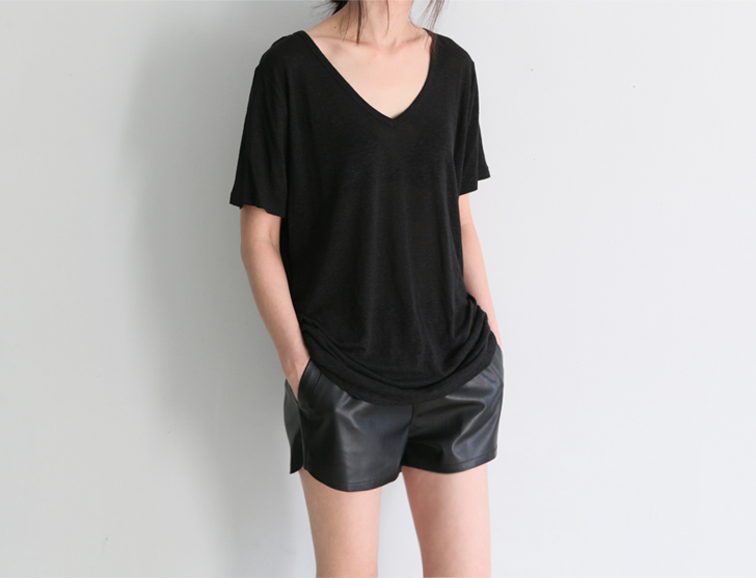 All black, monochromatic simple look, leather shorts, loose tee