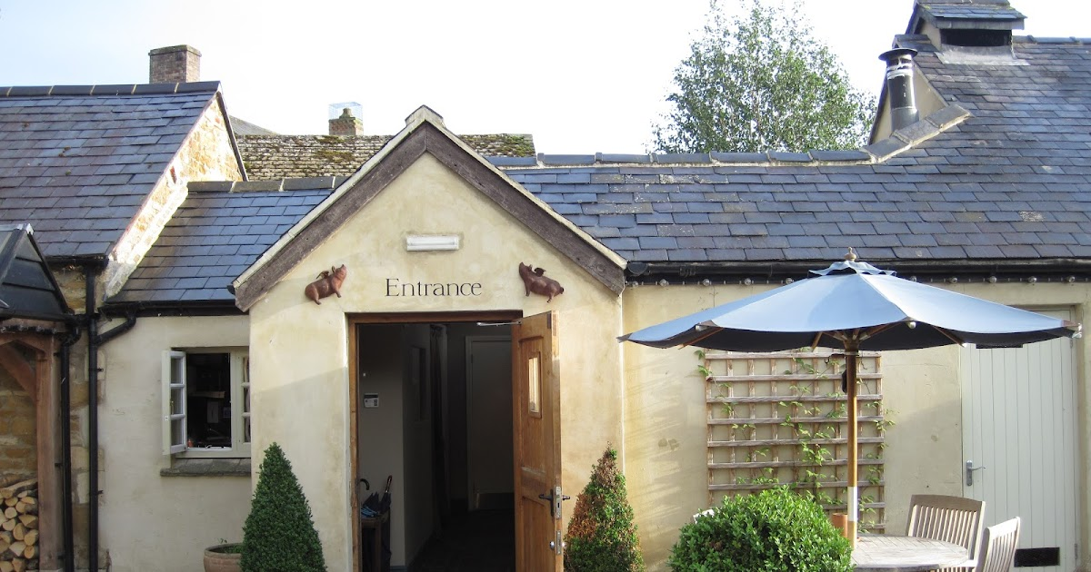 Cotswolds Fine Dining With Dog Friendly Rooms