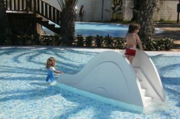Hoteles para ni os crevillente alicante marjal costa for Tobogan piscina ninos