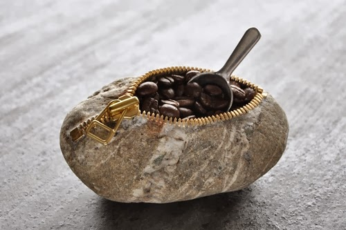 03-Coffee-Break-Sculptor-Hirotoshi-Ito-aka-jiyuseki-Stone-Art-Sculptures-www-designstack-co