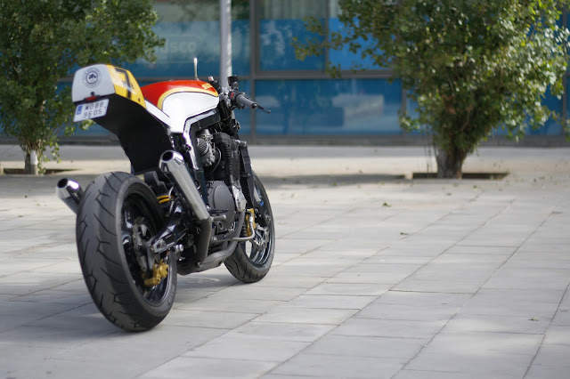 gsxr cafe racer GSXR+1100+W+7+Sheene++(1)