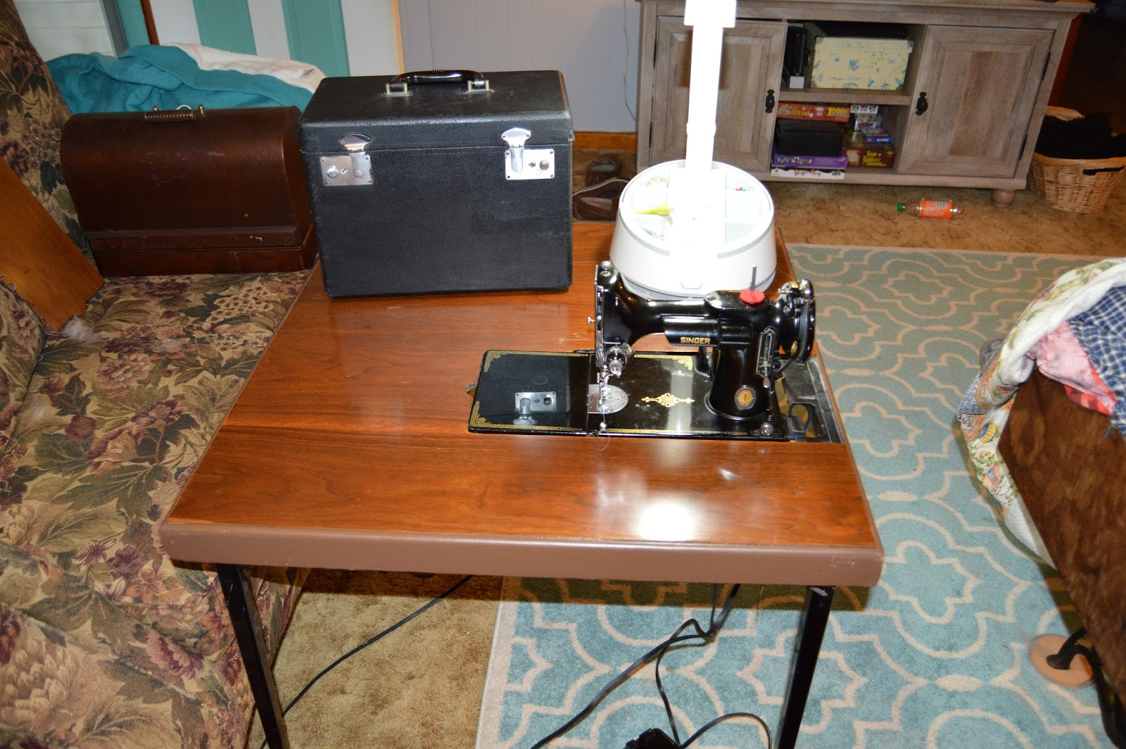 singer sewing machine bobbin came out