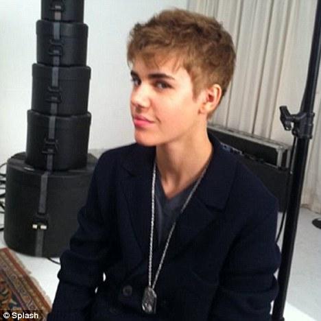 justin bieber haircut new look. New look: Justin Bieber had