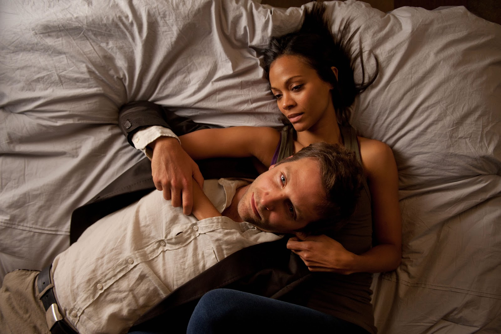 http://2.bp.blogspot.com/-hQ6-kb0vt34/UMX59ovjPqI/AAAAAAAAVNE/9DazdNvaiOY/s1600/the-words-movie-image-bradley-cooper-zoe-saldana-01.jpg