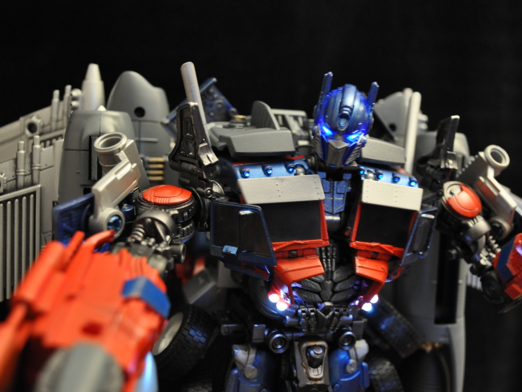 castle geek-skull: custom transformers dark of the moon supreme