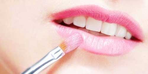 maquillaje de labios rosa