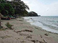 Pantai Pasir putih keunekai, yang indah dan penuh daya tarik