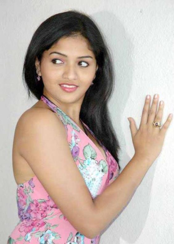 Tamil Actress Sunaina