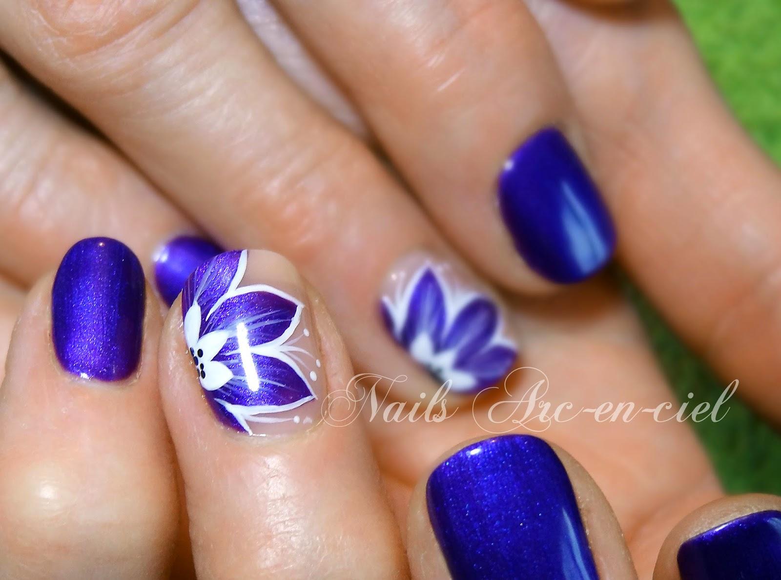 Nail Art Fleur Bleu Semi