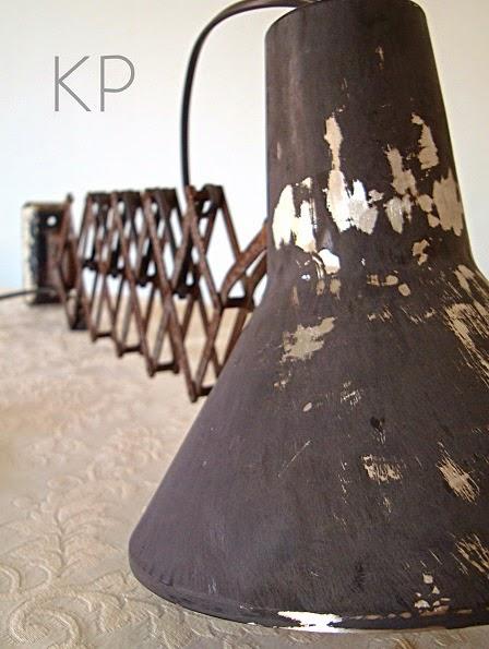 Lámparas estilo industrial. Apliques antiguos bometal barcelona españa