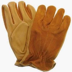 Los guantes son indispensables. Necesitas proteger tus manos de insectos, espinas, raíces, tierra