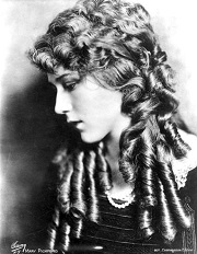 "Mary Pickford, "" La coqueta "" y "" Secretos """
