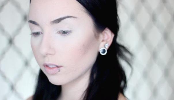 how to highlight contour pale fair skin bronzer pale skin