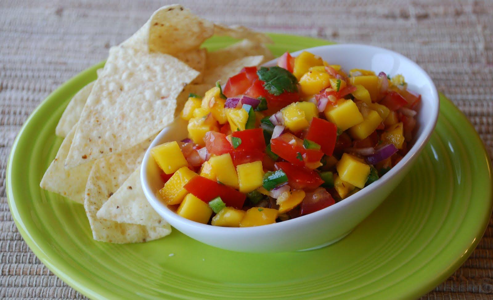Everyday Insanity...: Fresh Mango Salsa