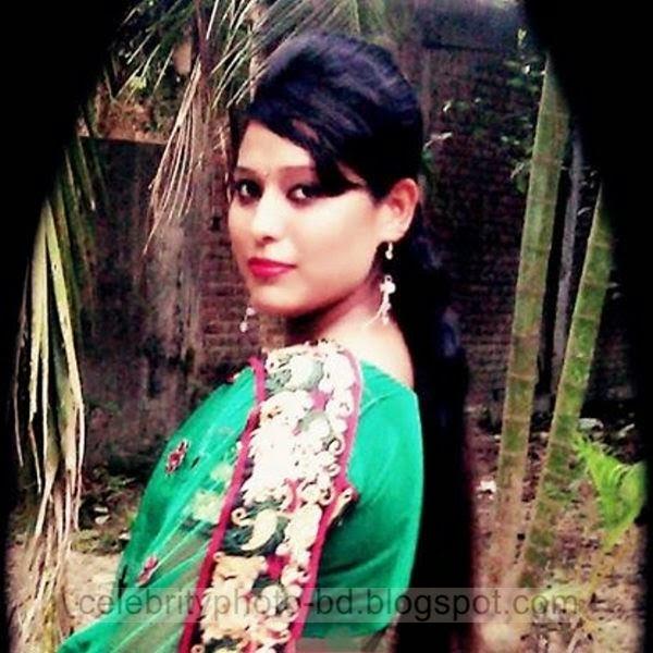 Beautiful%2BBangladeshi%2BLocal%2BHot%2BGirl%2BNishat%2BMollik%2BPhotos%2BCollection%2B2014 2015004