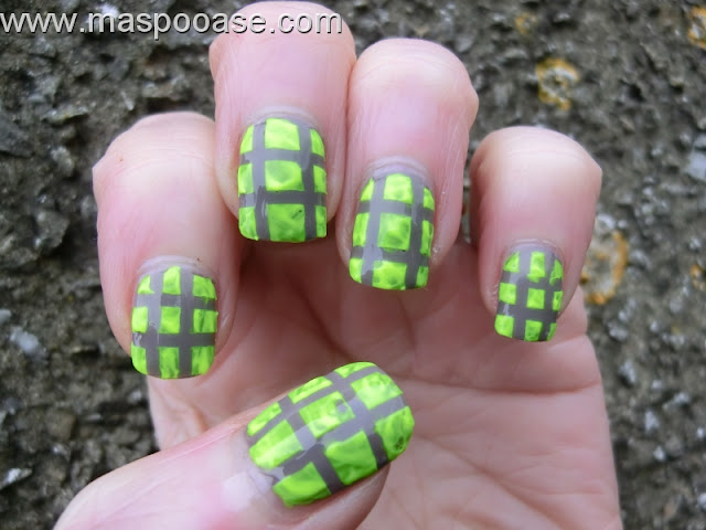 acrylic-paint-nail-art