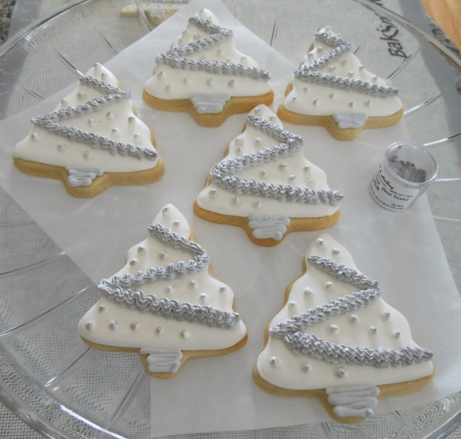 My Cookie Clinic: CHRISTMAS TREE COOKIES/ White Christmas