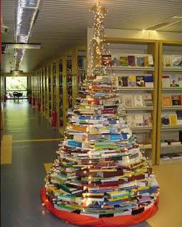 arvores-de-natal-com-livros