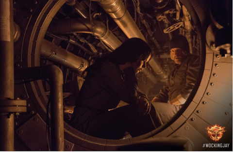 Nuevos stills de Katniss y Haymitch en ''Sinsajo Parte 1''