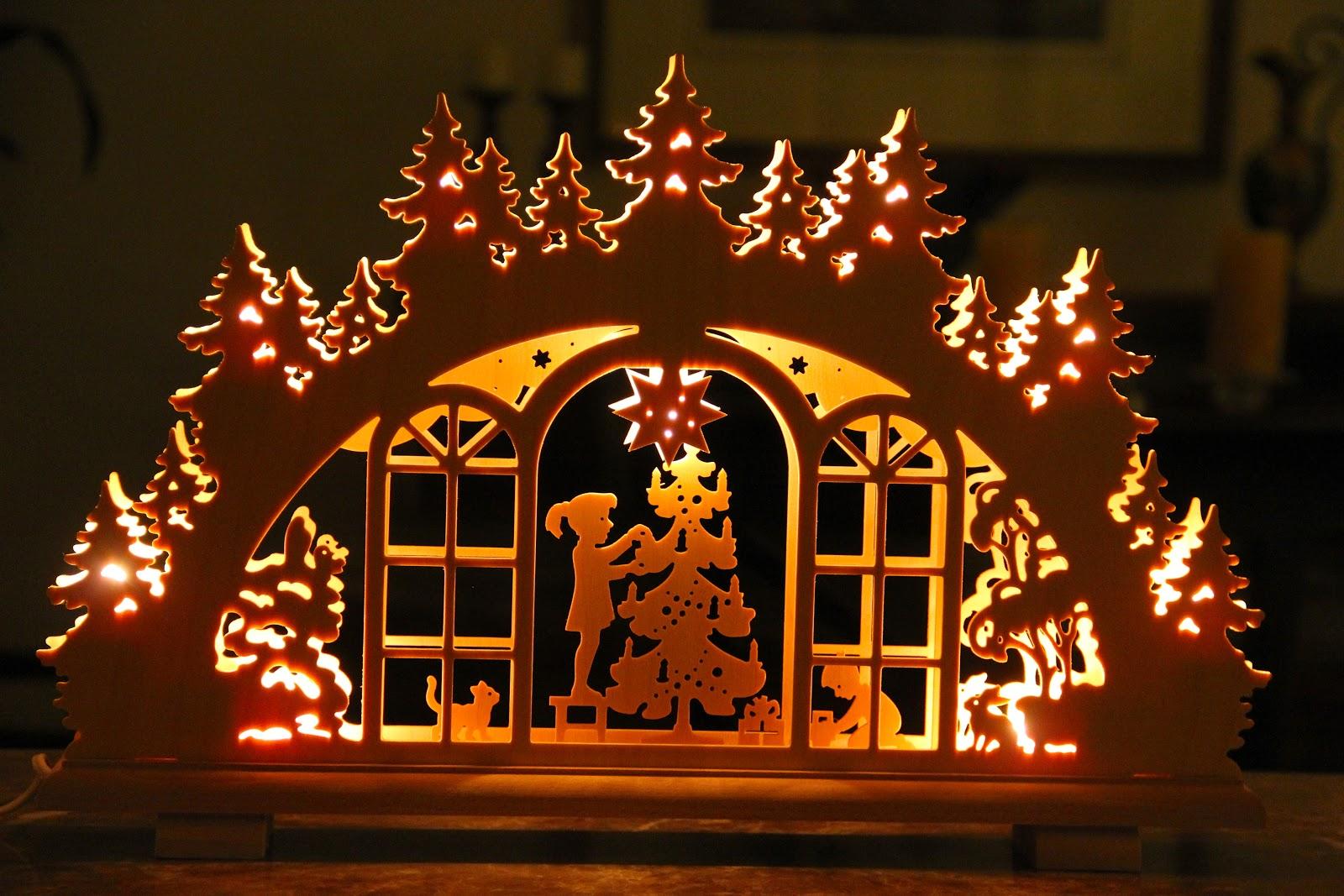 naples and hartford in season lichterbogen weihnachten. Black Bedroom Furniture Sets. Home Design Ideas