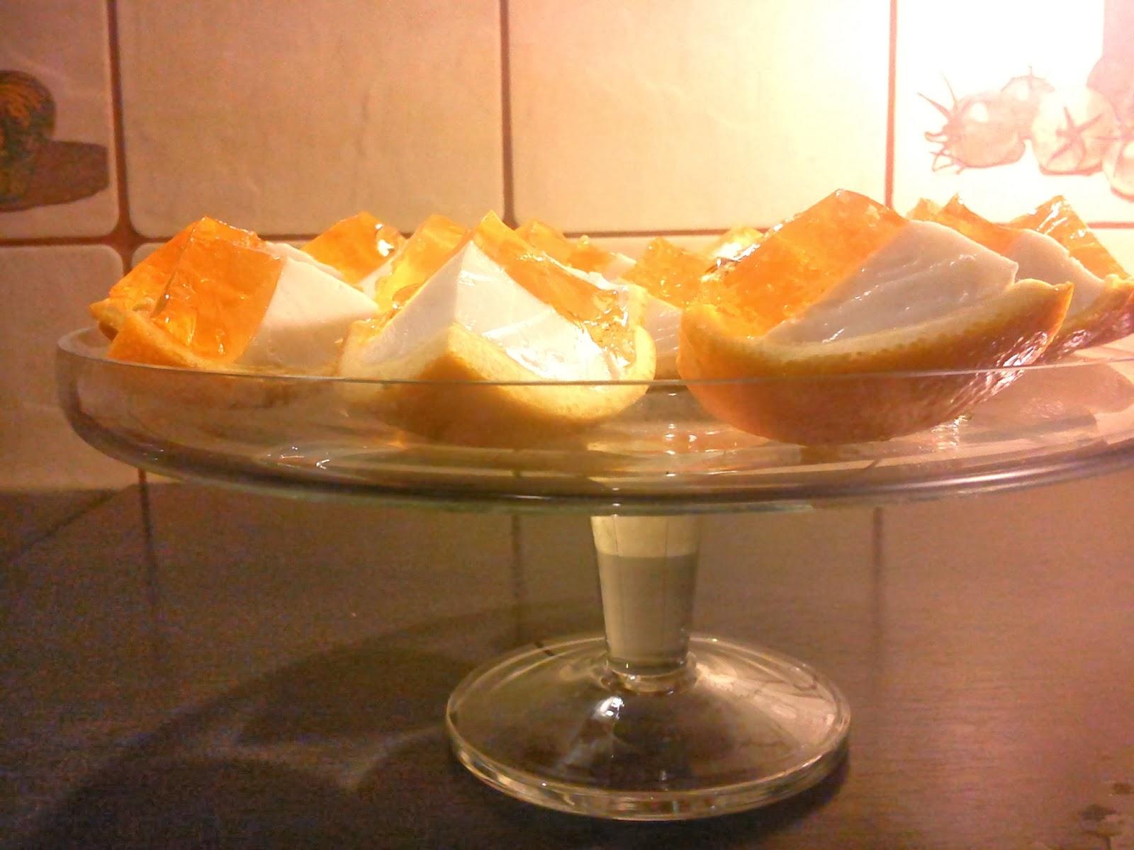 Pomarańczowe galaretki z pianką.