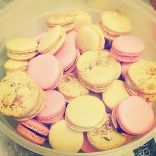 Bettys Bites Macaroons Pink Yellow