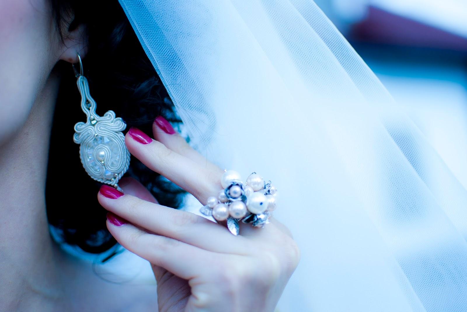 Biżuteria ślubna z perłami