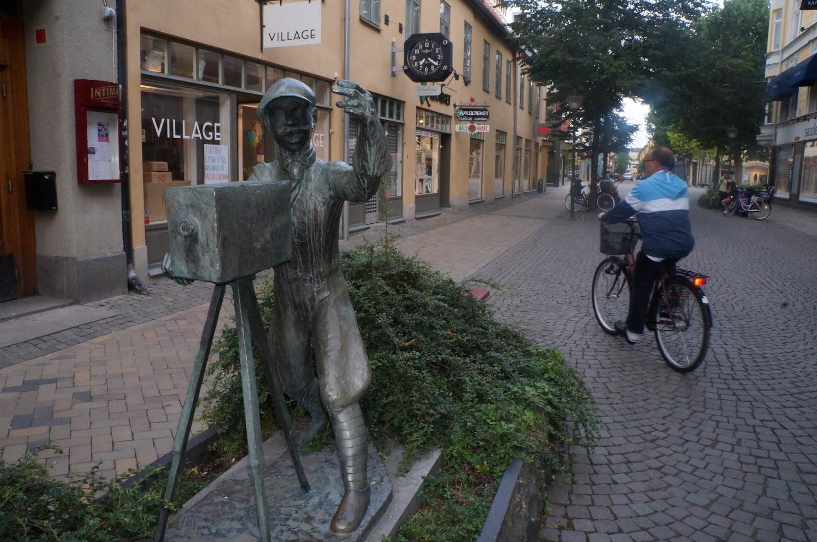 Tottes kompass och tidning : 08/11/13