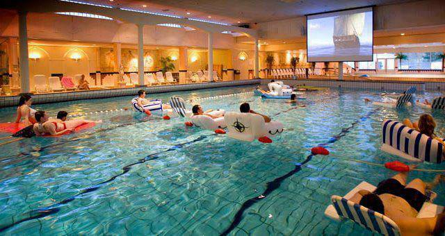 PISCINA CINE AQUACINEMA