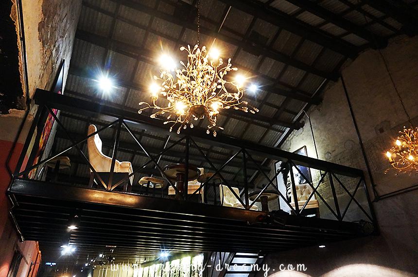Halfwake cafe lebuh melayu creamy dreamy for Interior design 06877