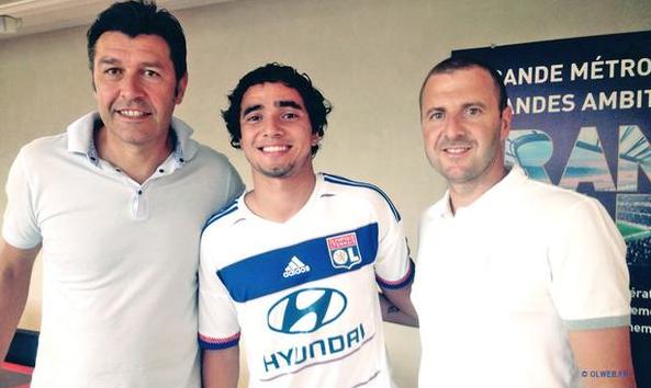 Rafael Resmi Bergabung Dengan Olympique Lyon