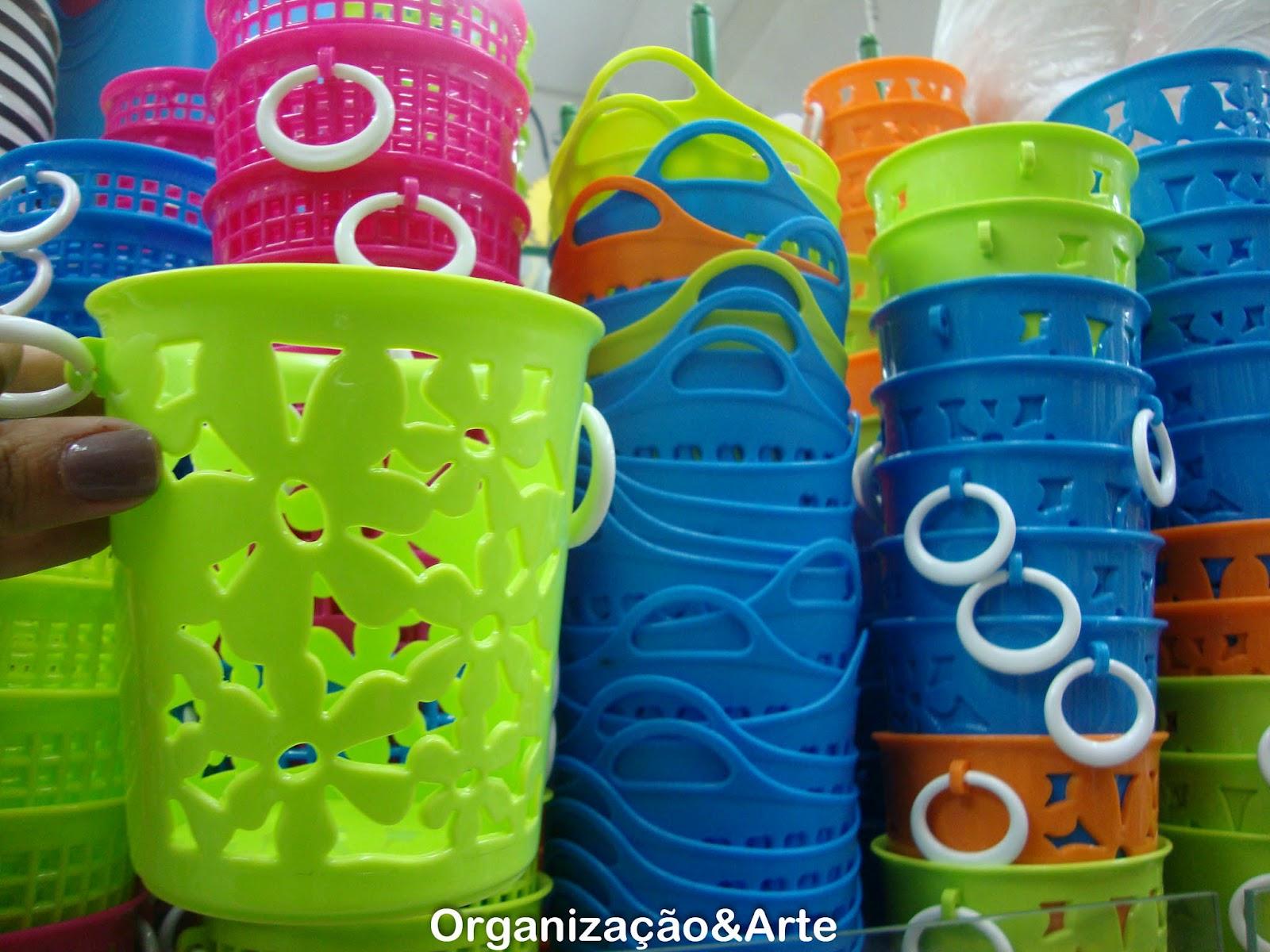 Olha que máximo esses cestos de flores as cores são sensacionais! #04427D 1600 1200