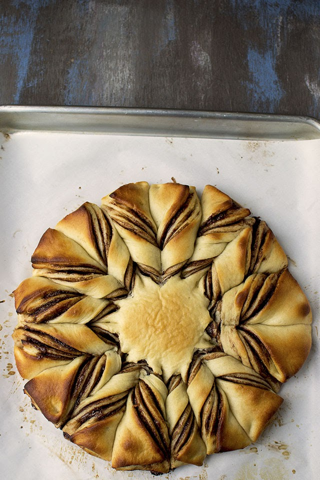 Flower Shaped Nutella Bread
