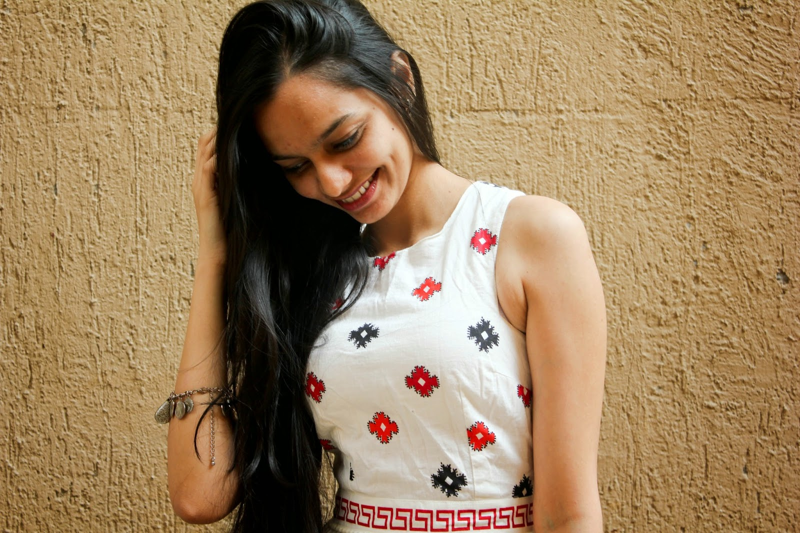 indian fashion blogger, valentine day looks, vday looks on a budget, mumbai streetstyle, how to wear a short dress, how to wear a skater dress, desi blogger, asian blogger