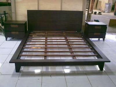 http://2.bp.blogspot.com/-hTXIN2jM3xM/ThEcKZCXypI/AAAAAAAAAHU/_wURVPdD-vM/s1600/bed+toys.jpg