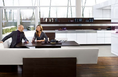 Hermosa cocina blanca con gabinetes de madera c mo for Kitchen designs sa