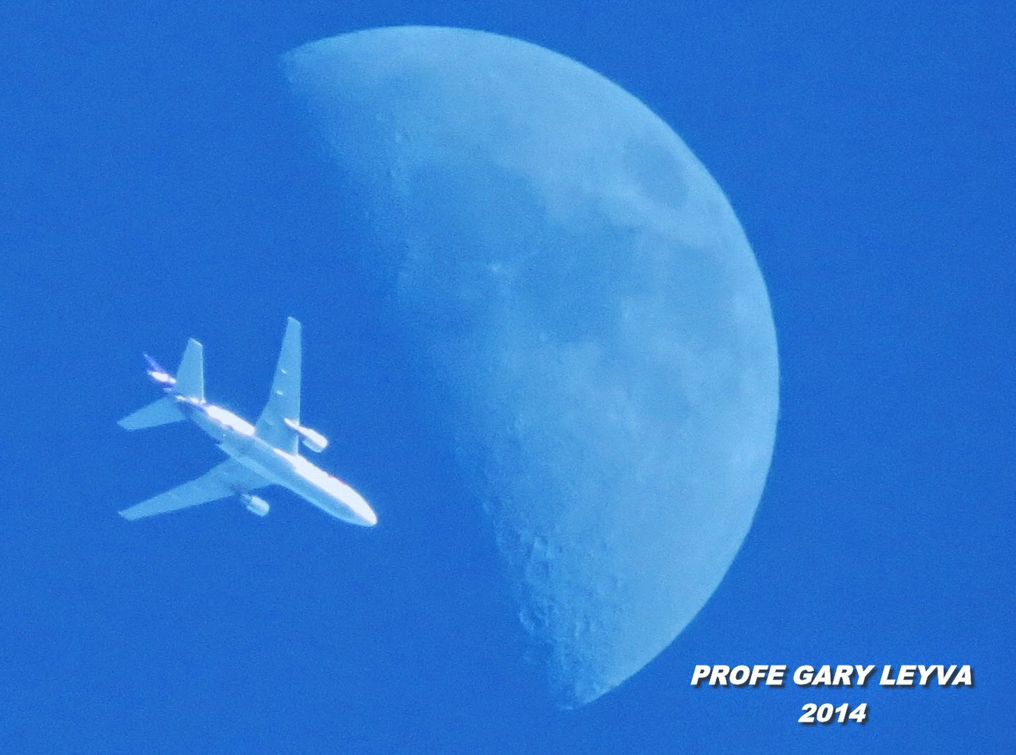 Moon, plane....