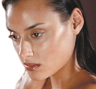 Oily Skin Care Tips - Get Rid Of Those Pimples And Greasy Spots On Your Face Forever