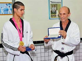 Ouro nos Jogos Olímpicos da Juventude, paraibano é homenageado na Capital