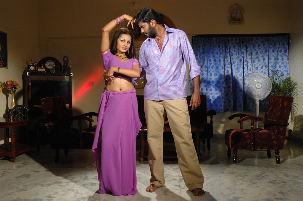 Latest Tamil Movie Shankar Hot Bedroom Scene Photoall