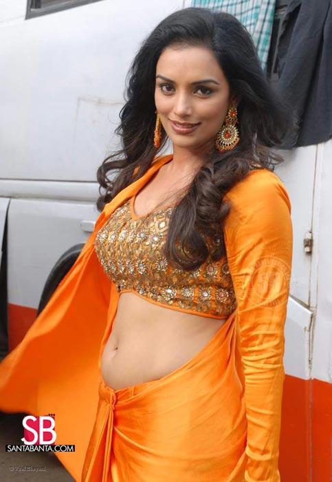 Hot Telugu Wawoek: Swetha Menon Hot & Spicy Stills