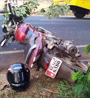 Car-Accident, Bike, Kasaragod, Adkathbail, Injured, Mogral, House, Son, Hospital, Mangalore, Mogral puthur, Kerala,Kerala News, International News, National News, Gulf News, Health News, Educational News, Business News, Stock news, Gold News.