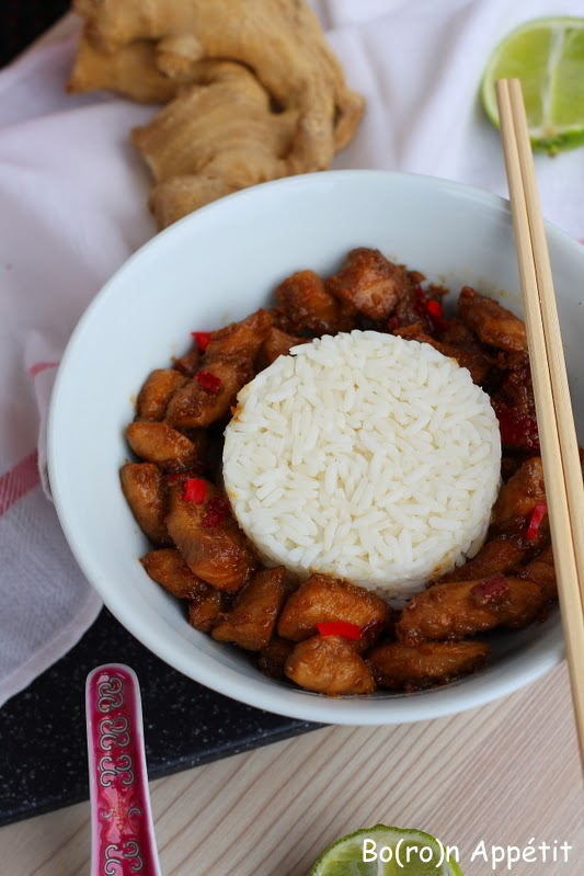Sałatka w stylu azjatyckim z kurczakiem