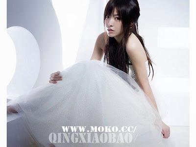 White+Wedding+Dress001