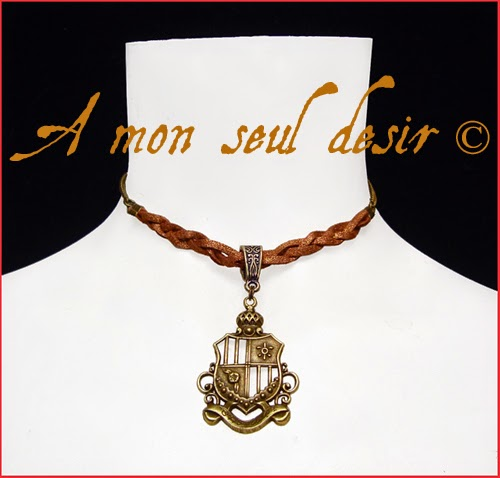 Collier Blason médiéval Moyen Âge Armoiries écusson Blazon medieval renaissance necklace Game of Thrones Héraldique